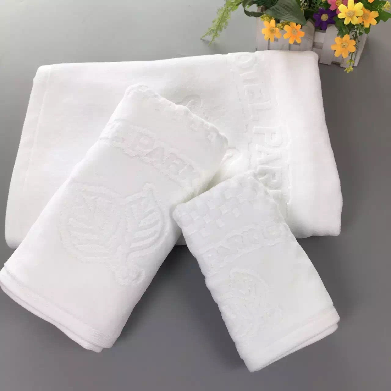 China Cheapest Promotional Wholesale Hotel Velour Bath Towel - China ...