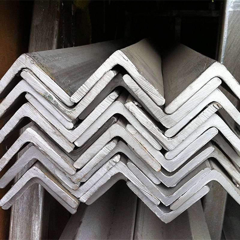 Factory Good Price Mill Test Certificate Steel Angle Bar pictures & photos