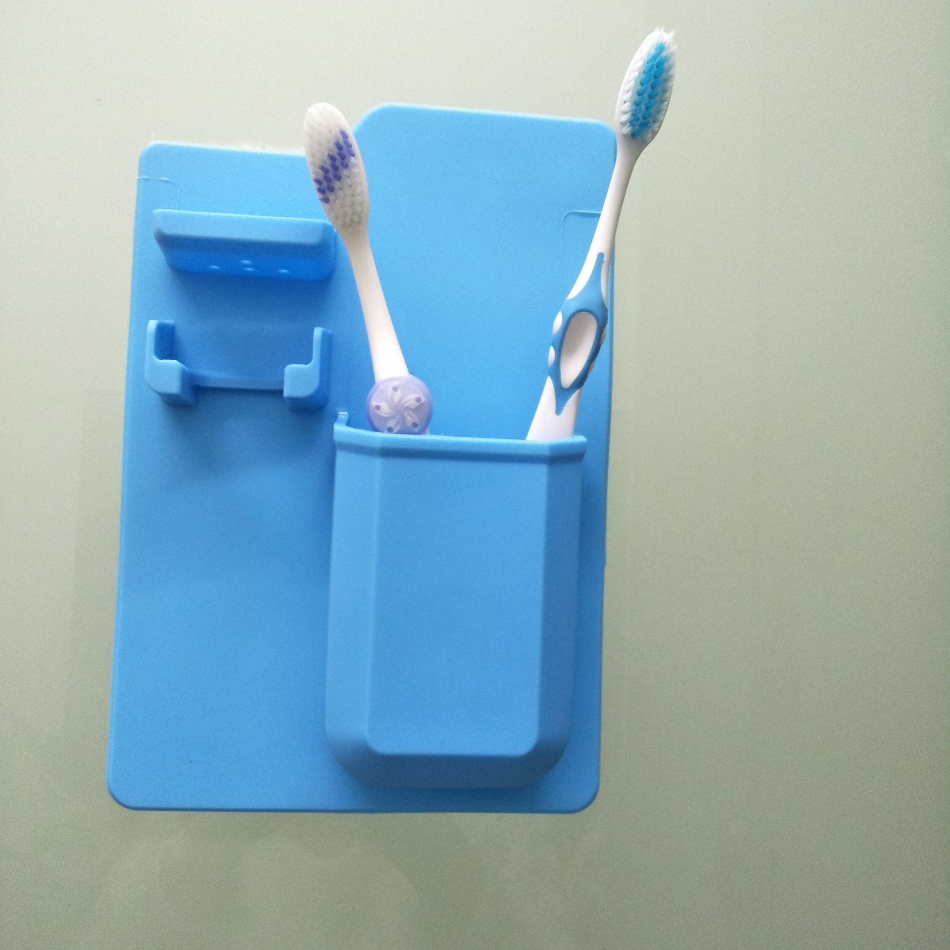 2Pcs Random Color Plastic Toothbrush Holder Toothpaste Holder Stand Bathroom Hot
