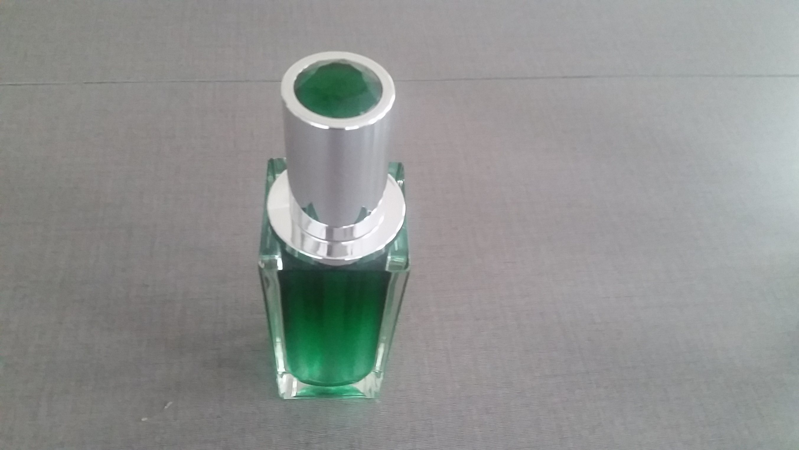Qf-A3932 Plastic Thick Wall Bottle
