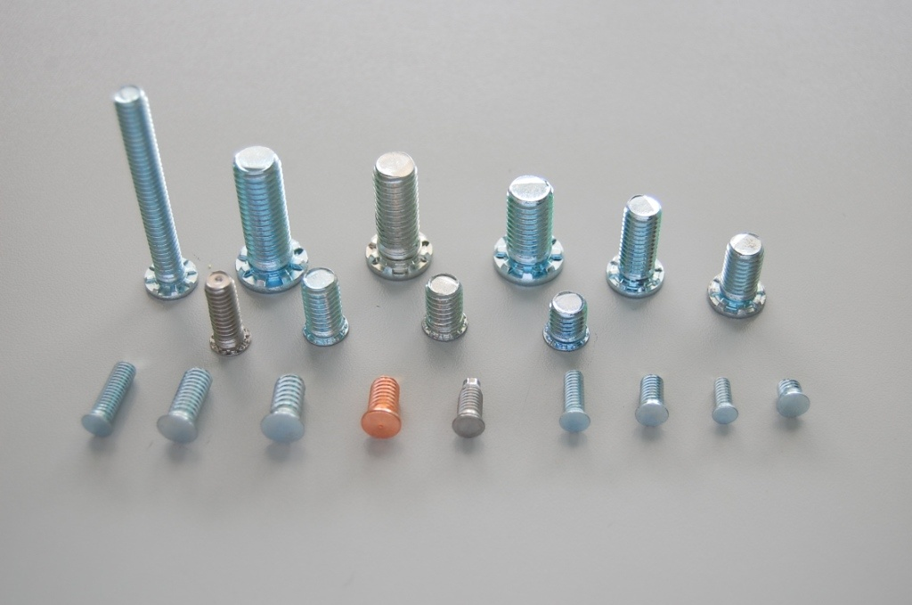 Self Clinching Studs/ Screw/Fasteners