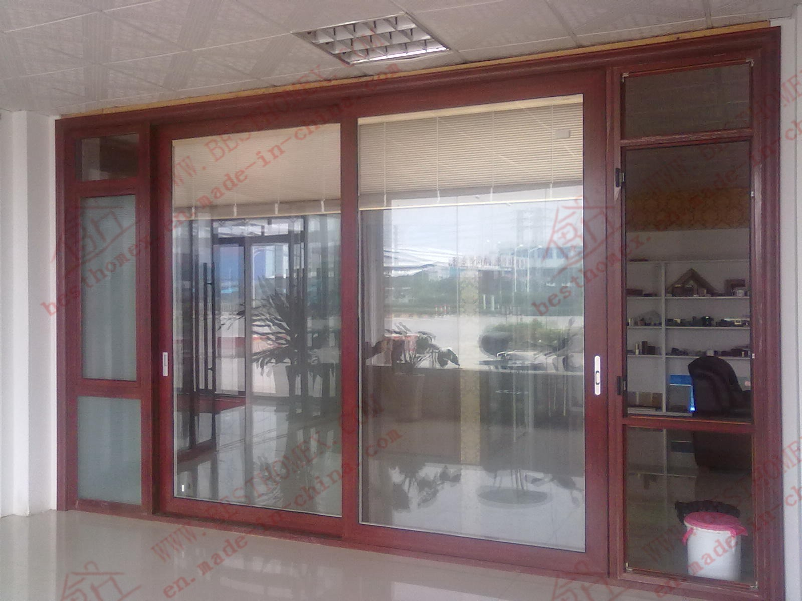 China High Class Aluminium Sliding Door With Built In Magnetic