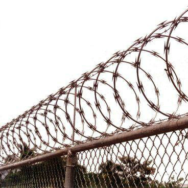 China High Security Galvanized Razor Wire Using in Border Fence ...