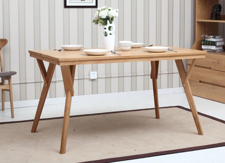 Oak Wood Dining Table with Nice Style (M-X1090)