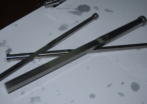 Nitrided & Blackened DIN1530f-B Was1.2344   Blade Ejector Pin  of Mould Parts pictures & photos