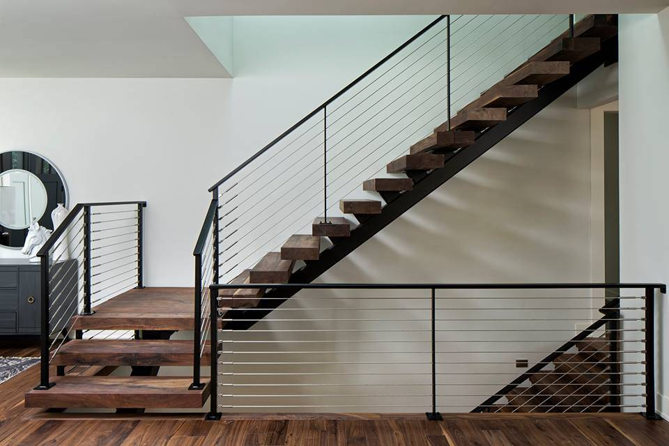 Cantilevered Steel Staircase with Solid Wood Stair Tread and Powder Coated Black Color Cable Railing