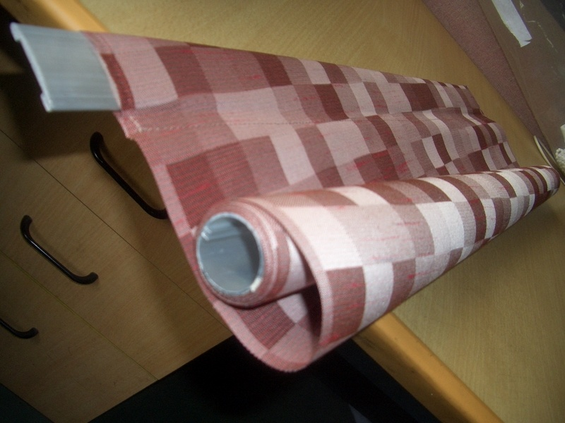 Manual Colourful Fabric Roller Blind with Aluminum Rail for Windows