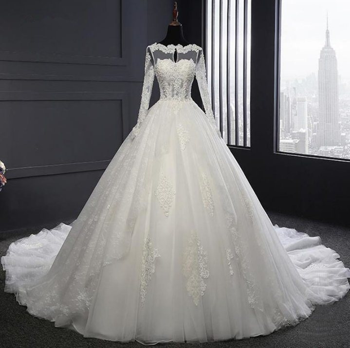 China Real Long Sleeve Ball Gown Big Train Bridal Wedding