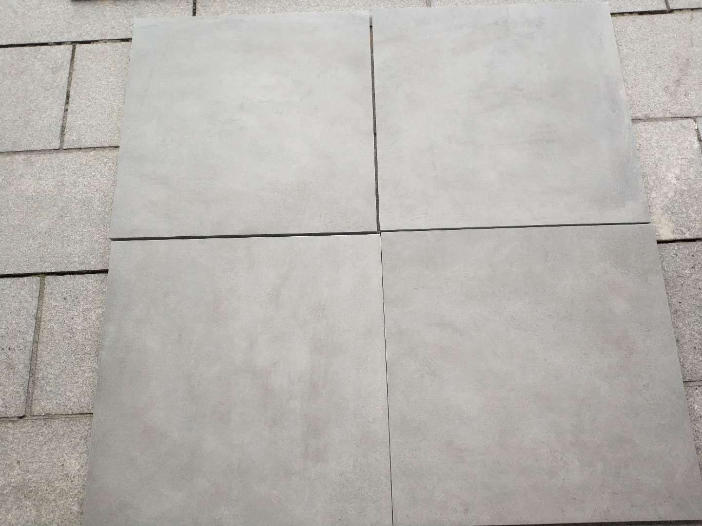 China New Outside 20mm Thickness Strong Floor Tile Md03h Garage