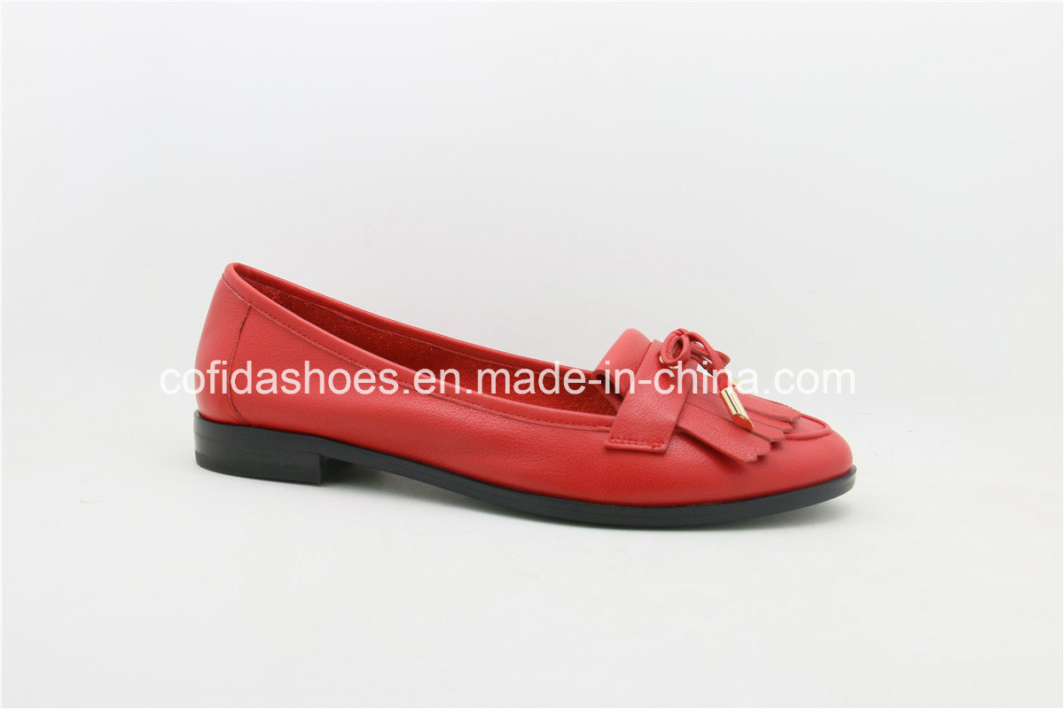 New Fashion Leather Lady Flat Shoes with Charming Design pictures & photos