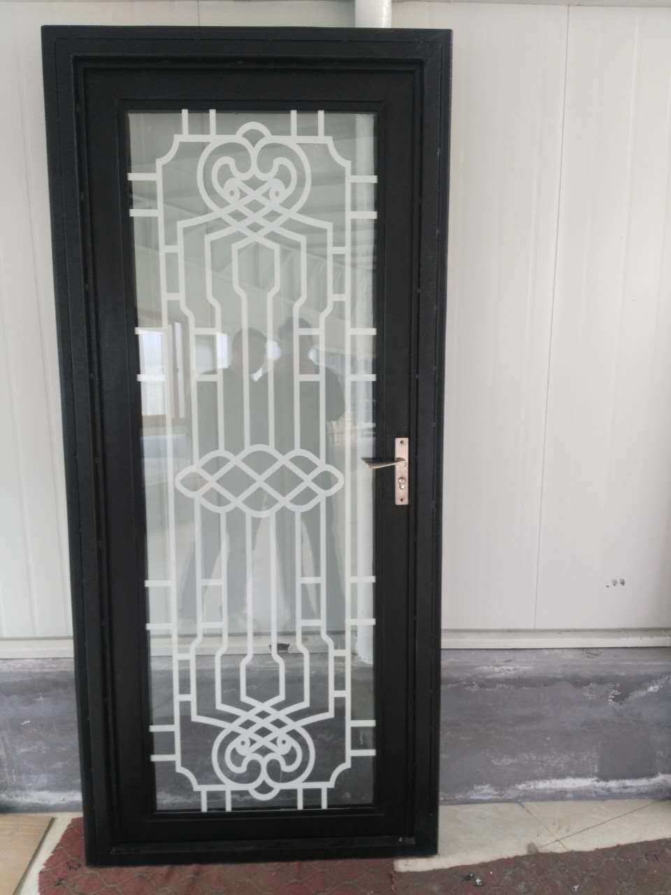 China Decoration Black Galvanized Power Coated Wrought Iron Entrance