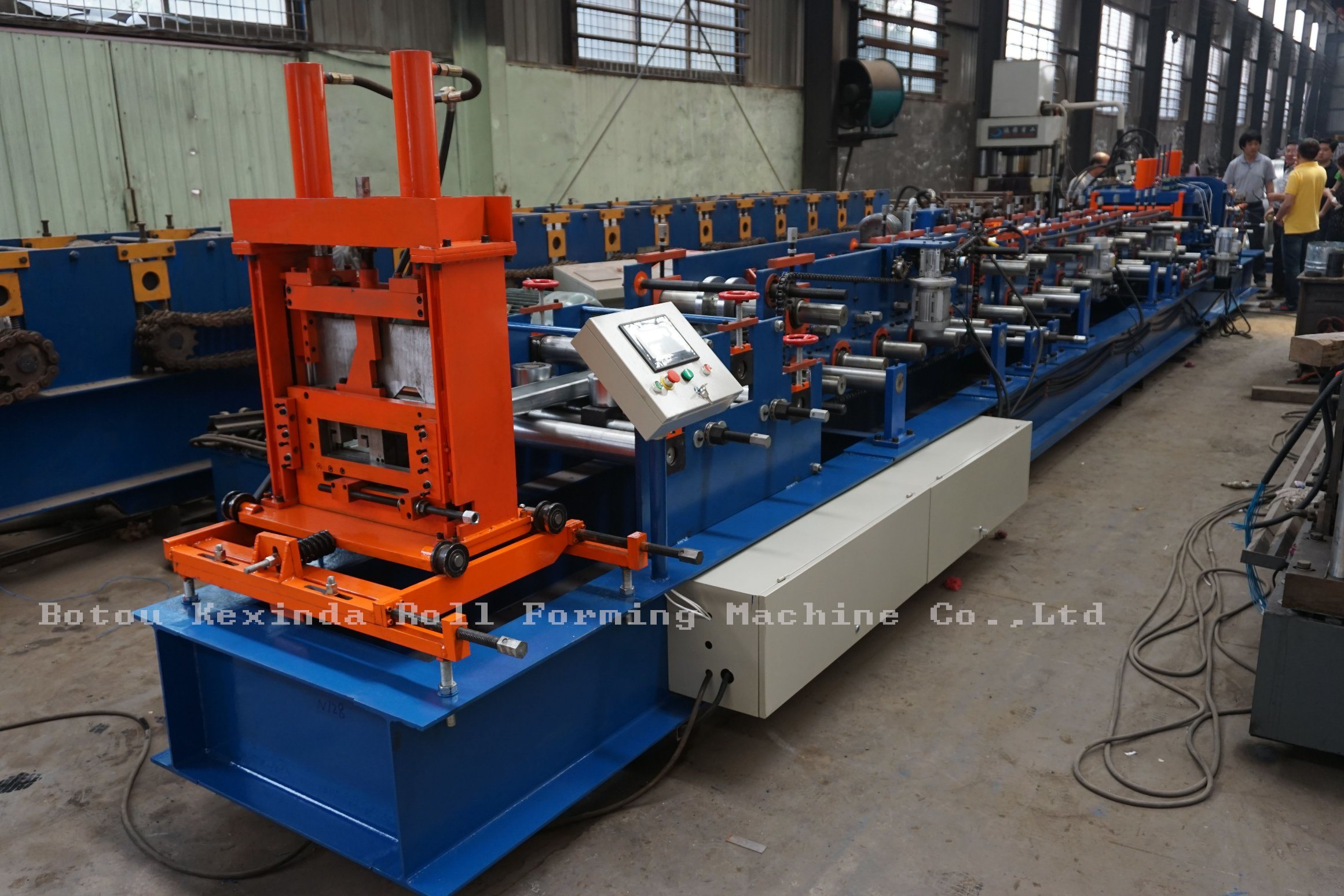 Kxd C Purlin Steel Frame Roll Forming Machine pictures & photos