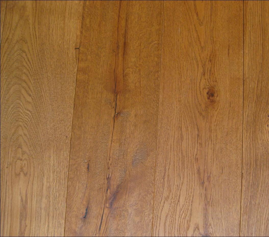 China Oiled Poplar Honey Color Hardwood Oak Engineered Flooring Wood