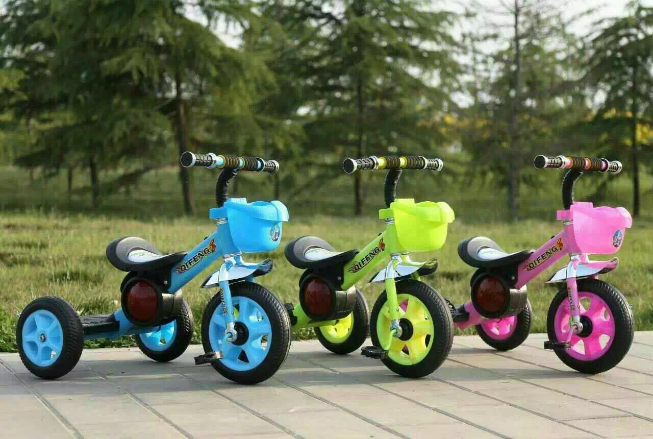 China Wholesale Kids Baby Tricycle with Music Children Bike Scooter