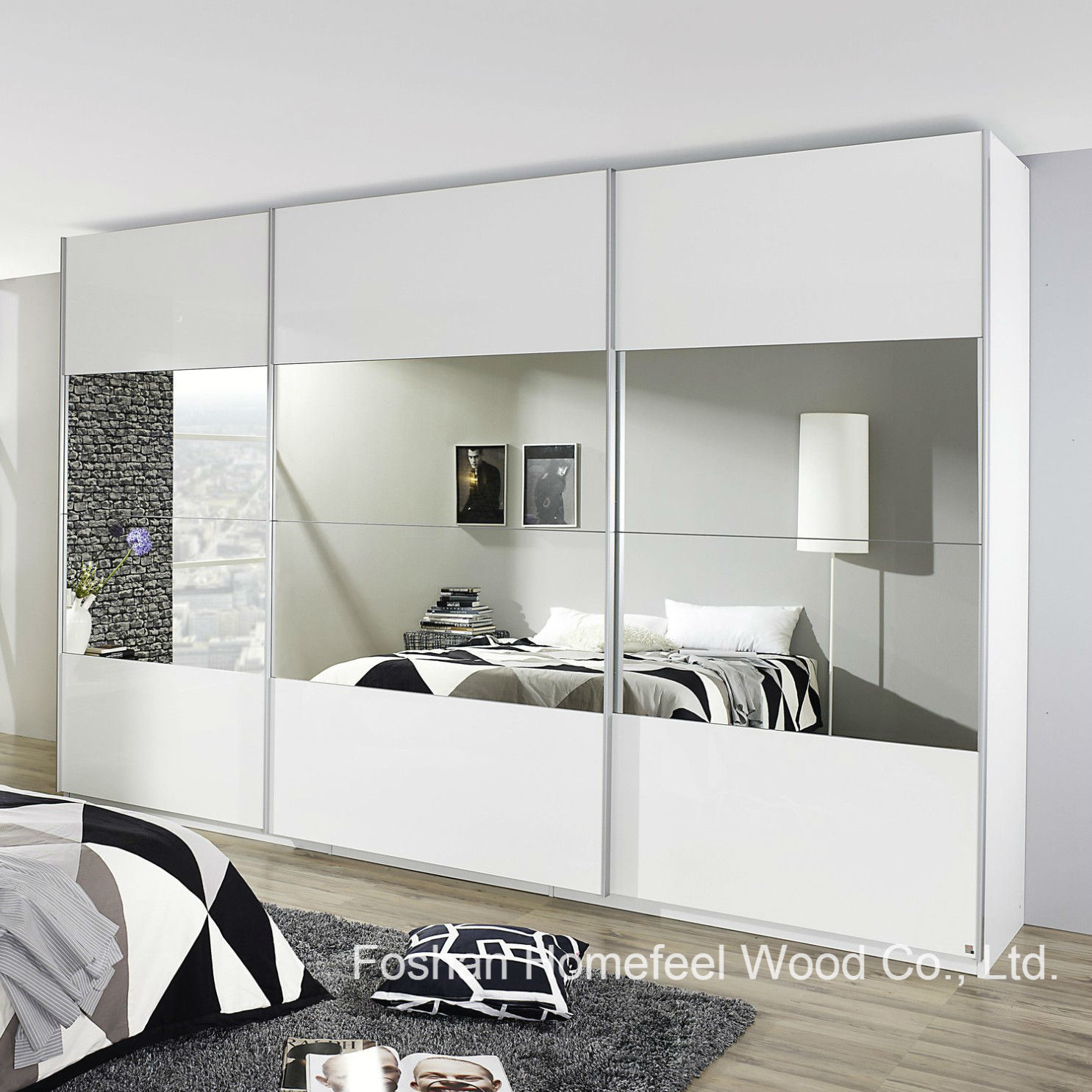 China Bedroom Furniture 3 Door Mirrored Sliding Wardrobe Dresser Wb28 Photos Pictures Made In China Com