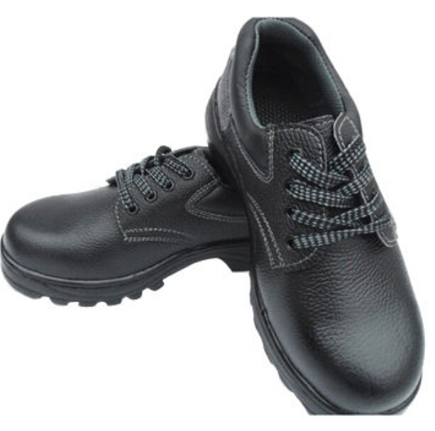 Safety Shoes with Breathable Material