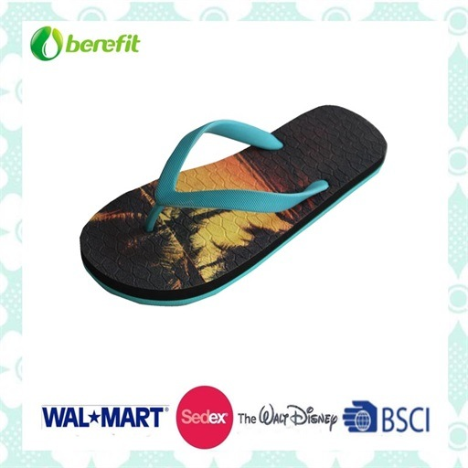 e60d8426da719 China Rubber Sole and Rubber Straps, Bright Printing, Slippers ...