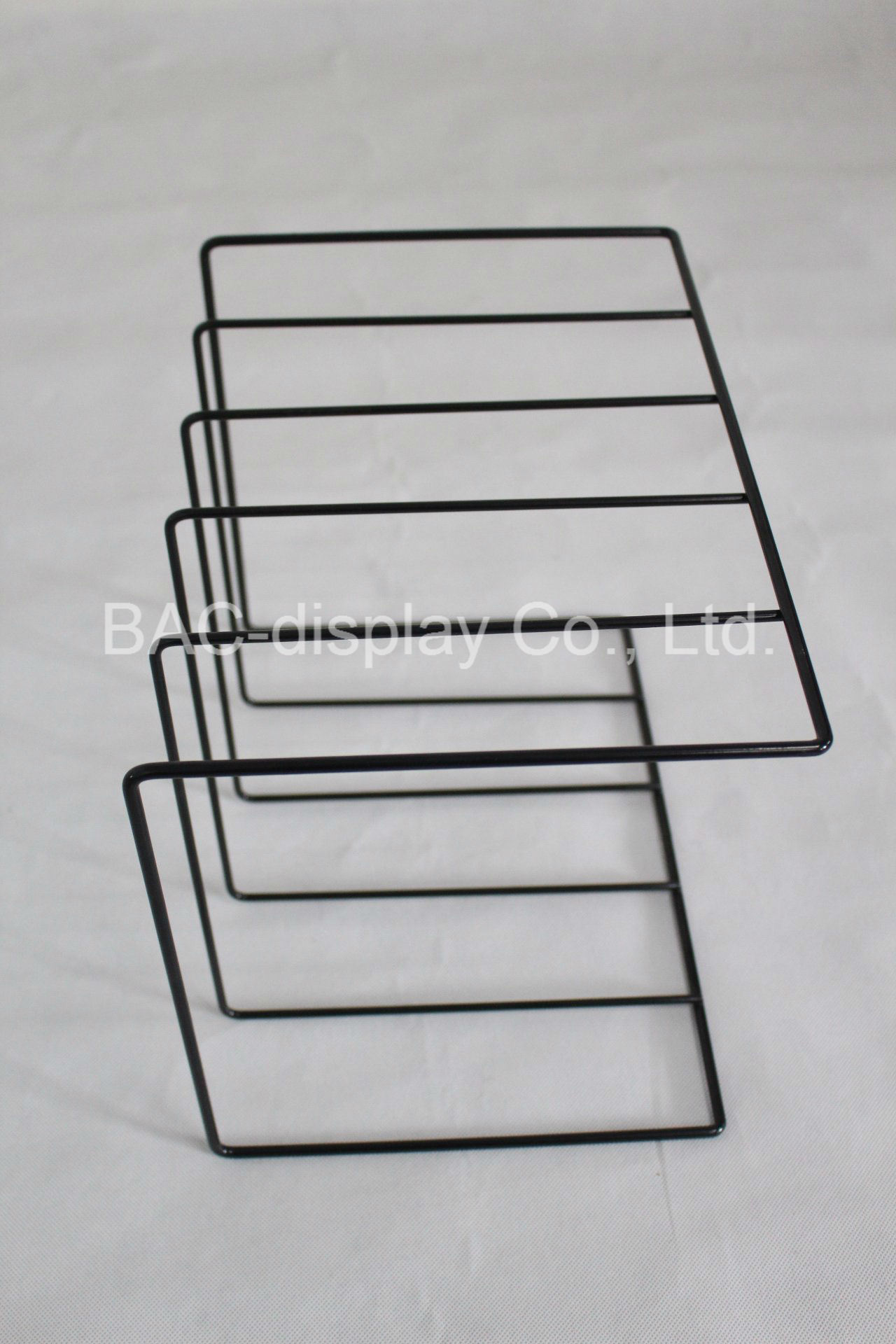 China Lightweight Assemblable Metal Wire Tabletop Books Shelf ...