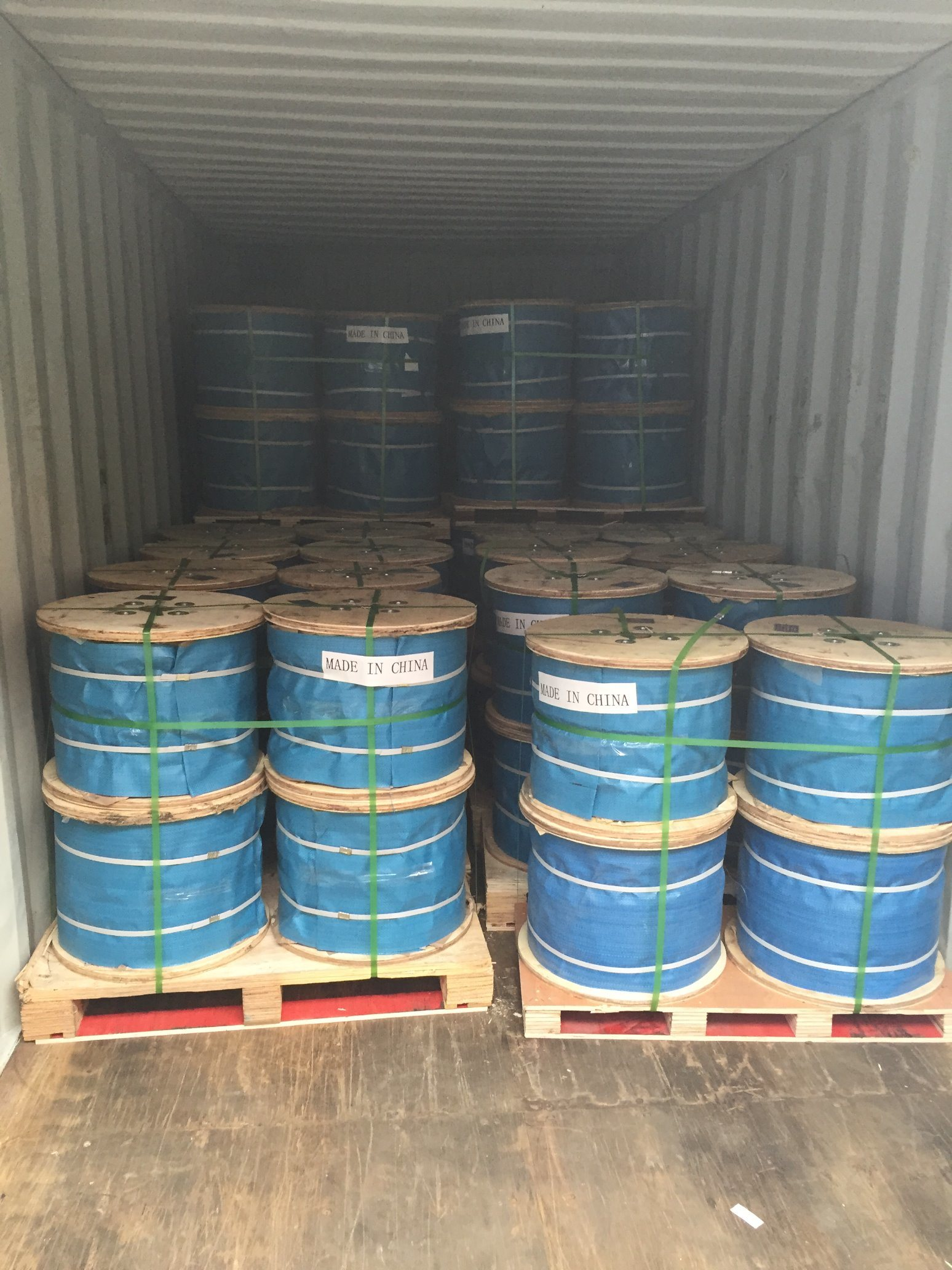 China Galvanized Steel Wire Rope 6X37 for Port Loading Photos ...