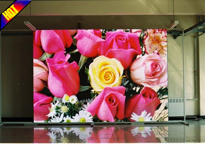 High Definition P4 Indoor Full Color LED Display (256*128mm) pictures & photos