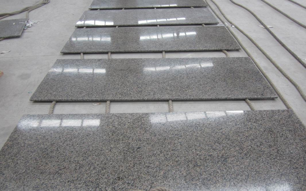 China New Caledonia Granite Slabs Tiles