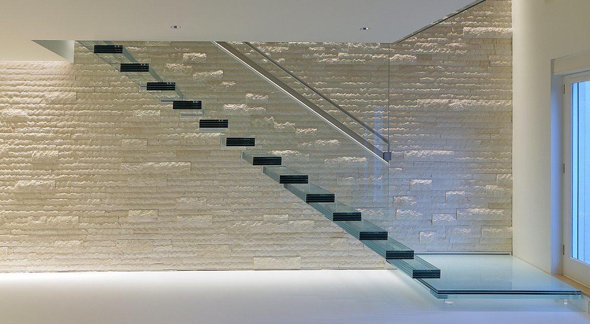 China Hidden Stringer Straight Glass Staircase/ Floating Glass Stair Design    China Straight Glass Staircase, Floating Glass Staircase
