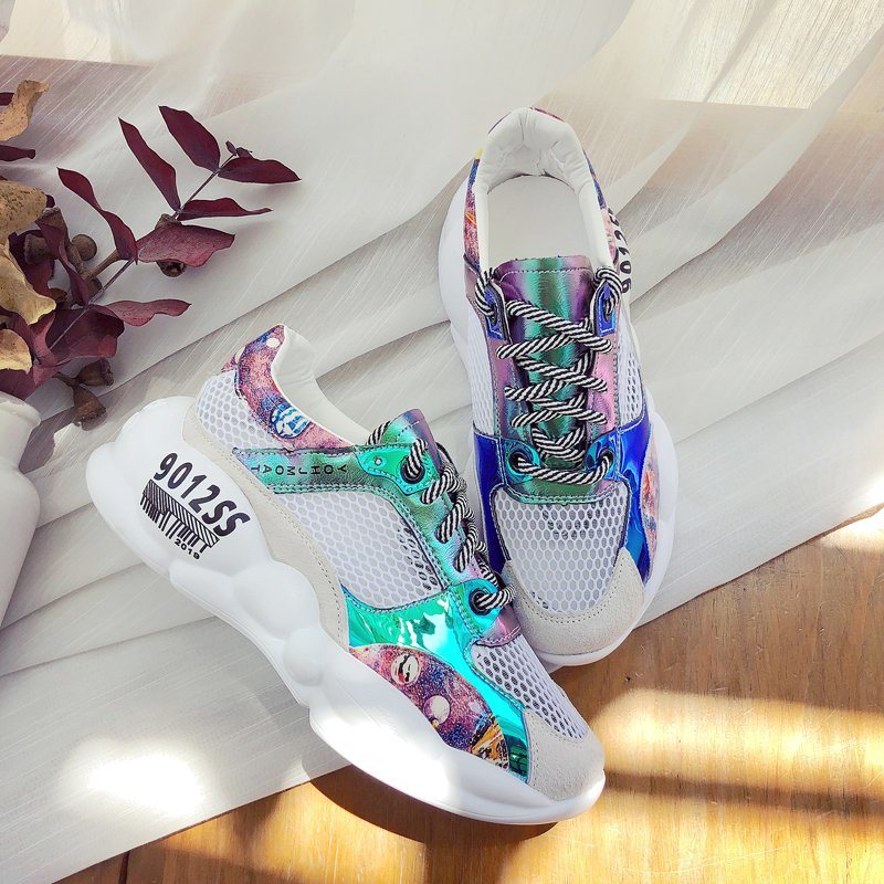 China Hot Sale Latest Sneakers for