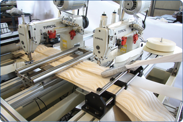 Automatic French Pillow-Top Mattress Border Sewing Machine pictures & photos