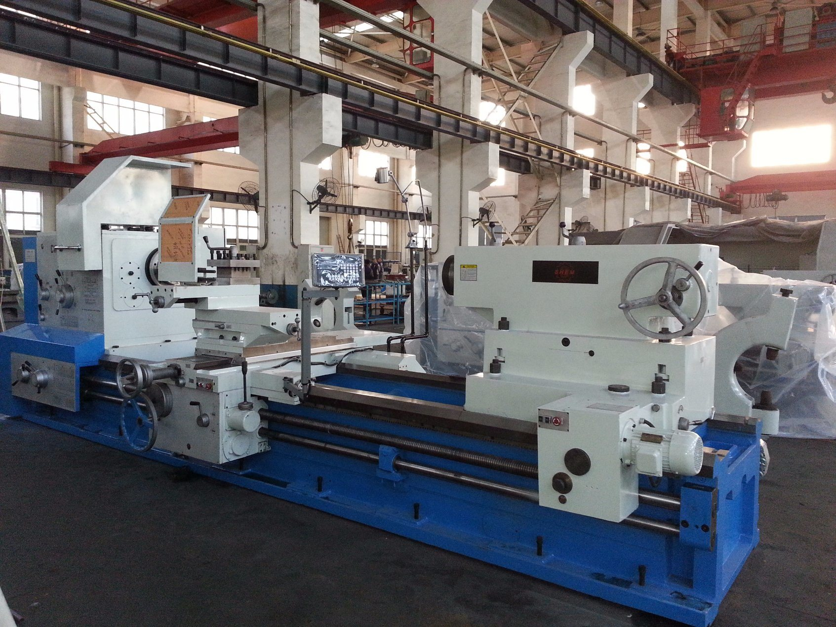 China Metal Lathe Heavy Duty Machine Big Bore Cw62128 Reversing A 2000