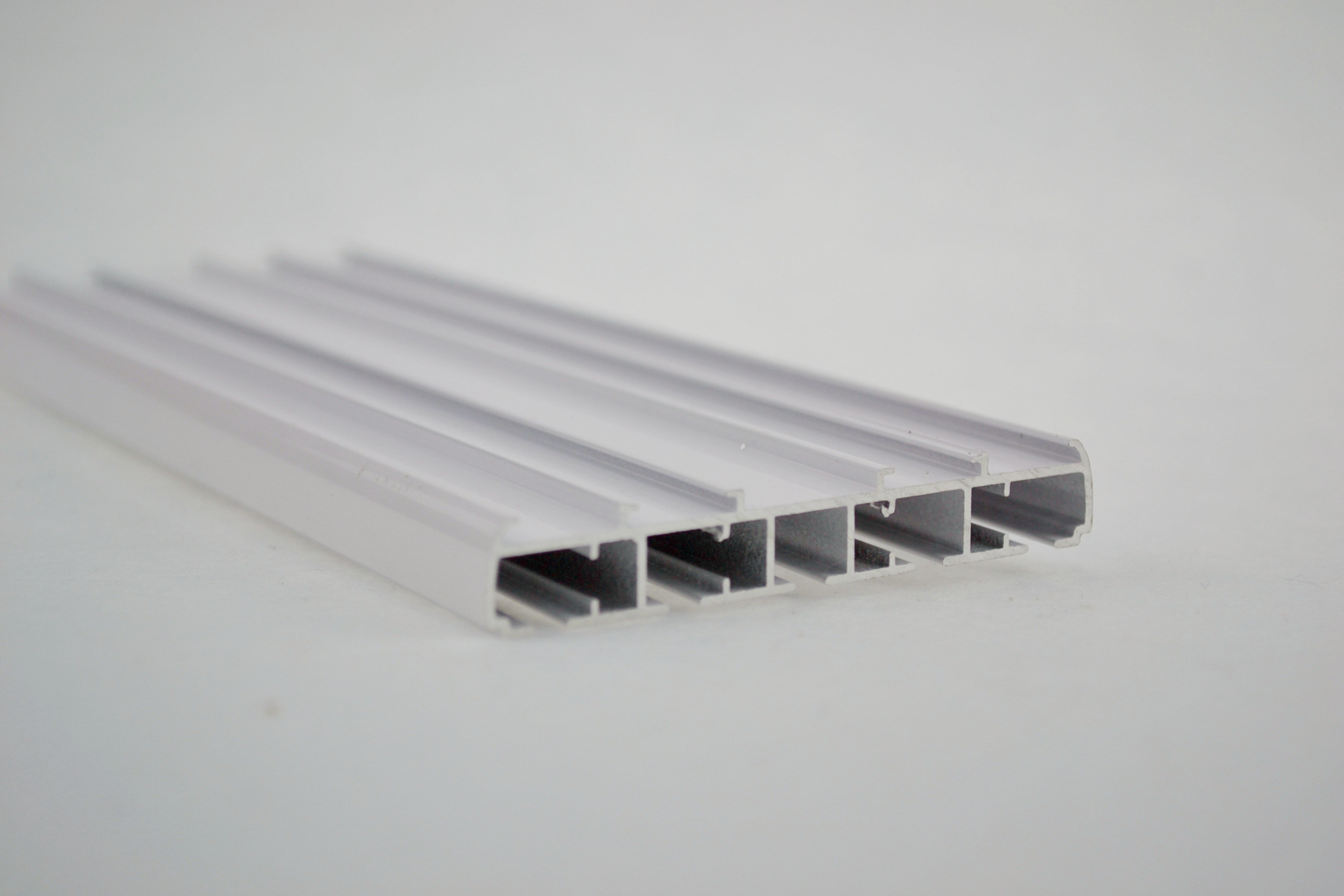 China Flat Panel Curtain Track Rail Factory Supplier