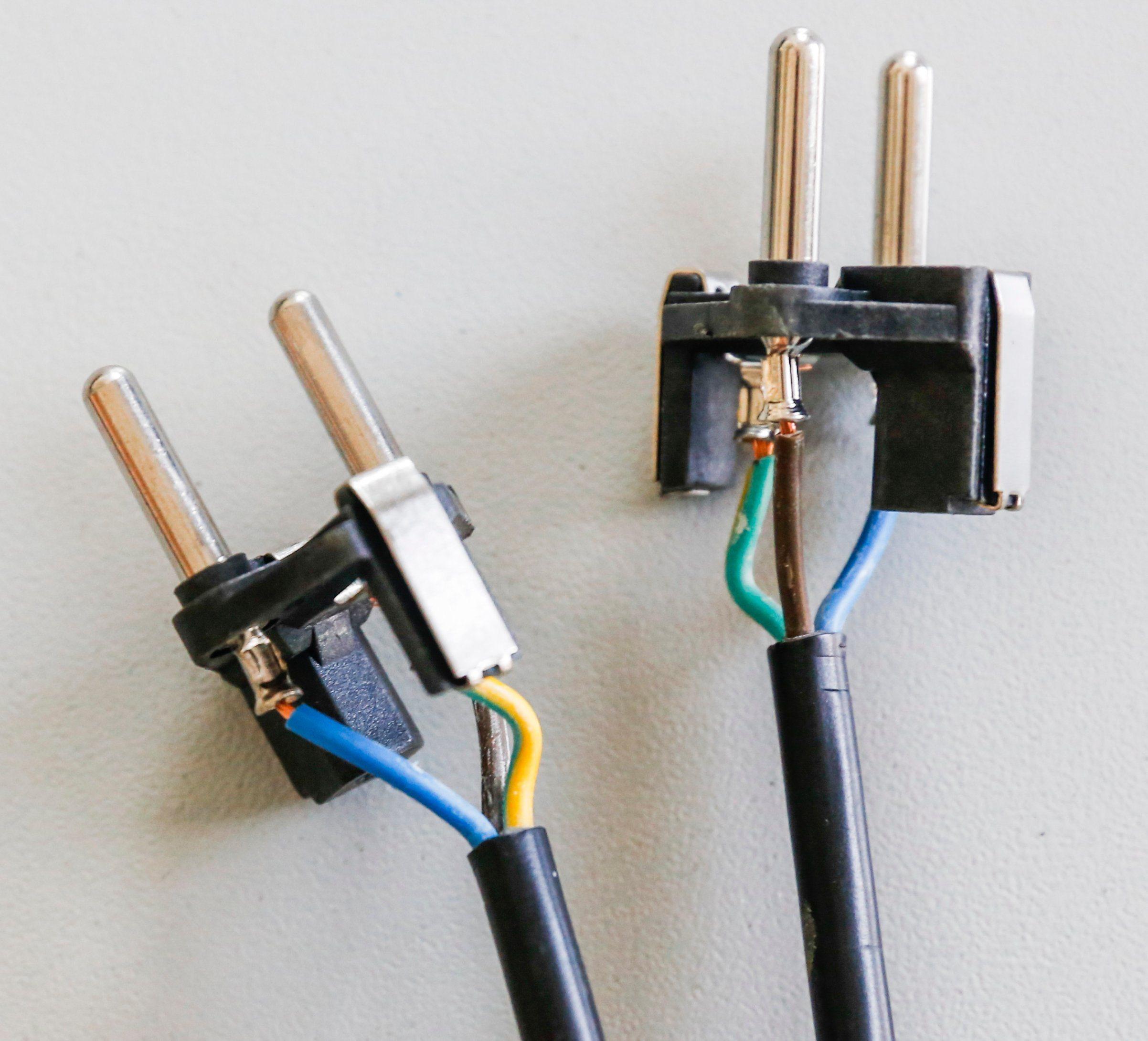 China Semi-Automatic Wire Terminal Insertion Plug Crimping Machine ...