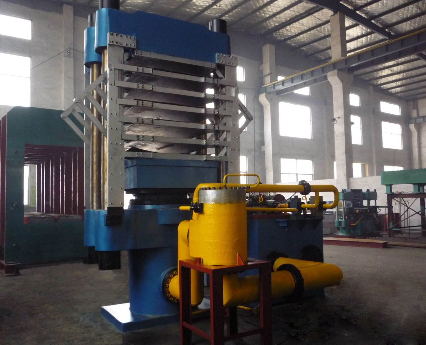 EVA Foaming Hydraulic Press Machine / EVA Foam Press Machine / Rubber Soles Making Machine pictures & photos
