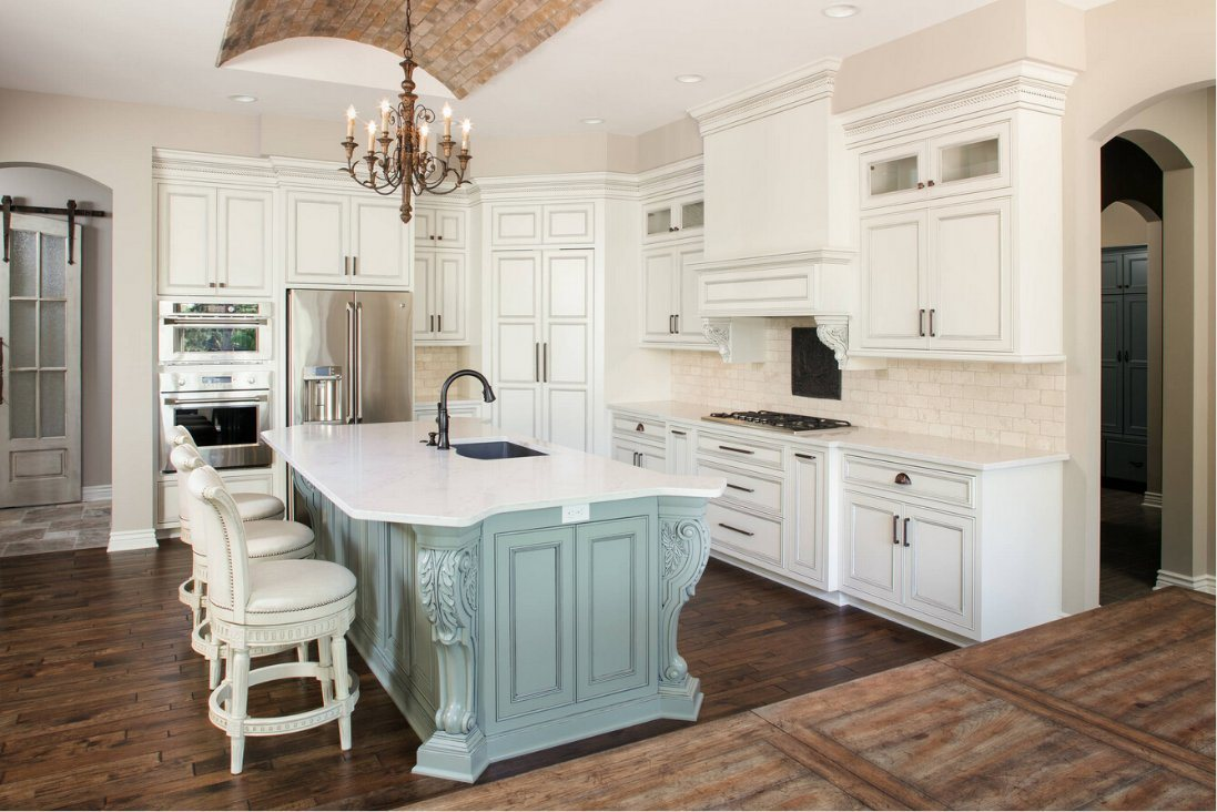 China 2017 Solid Wood Kitchen Cabinets Traditional Kitchen Furniture ...