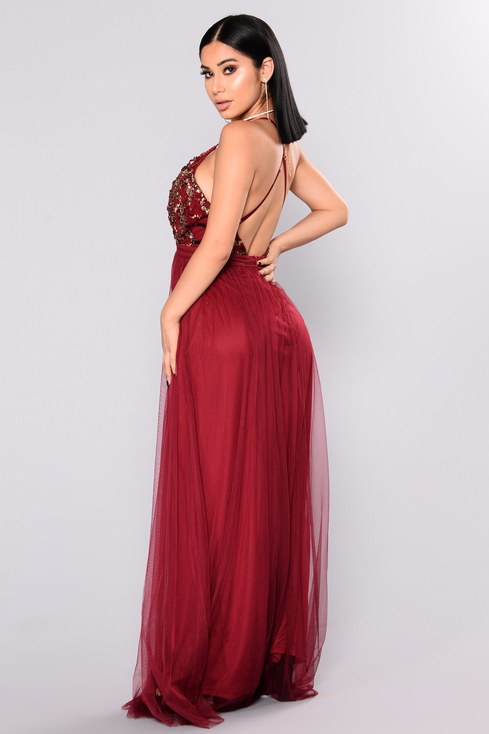 e2dccf030e Maxi Dress Burgundy Deep V Evening Dress Criss Cross Back Fashion Women  Dress Closure 2 Front Slits Tulle Skirt