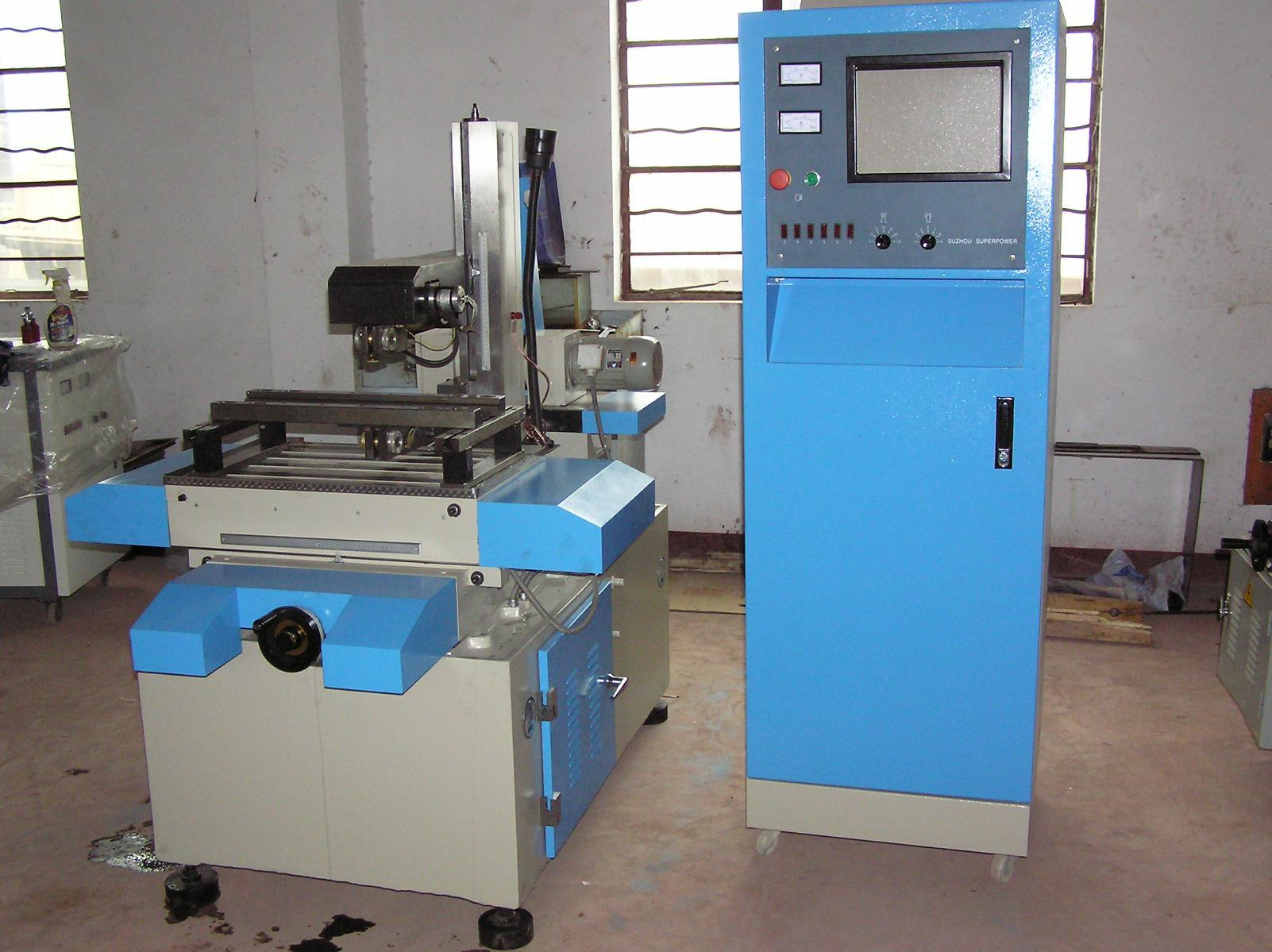 China EDM Wire Cutting Machine (DK77 Series) Photos & Pictures ...