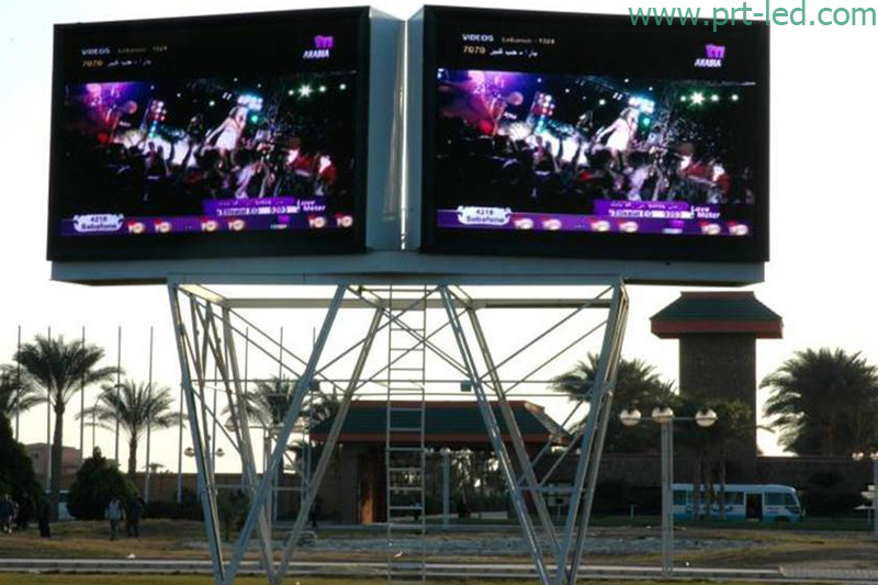 SMD3535 P8 Outdoor Full Color LED Display with Panel 640X640mm pictures & photos