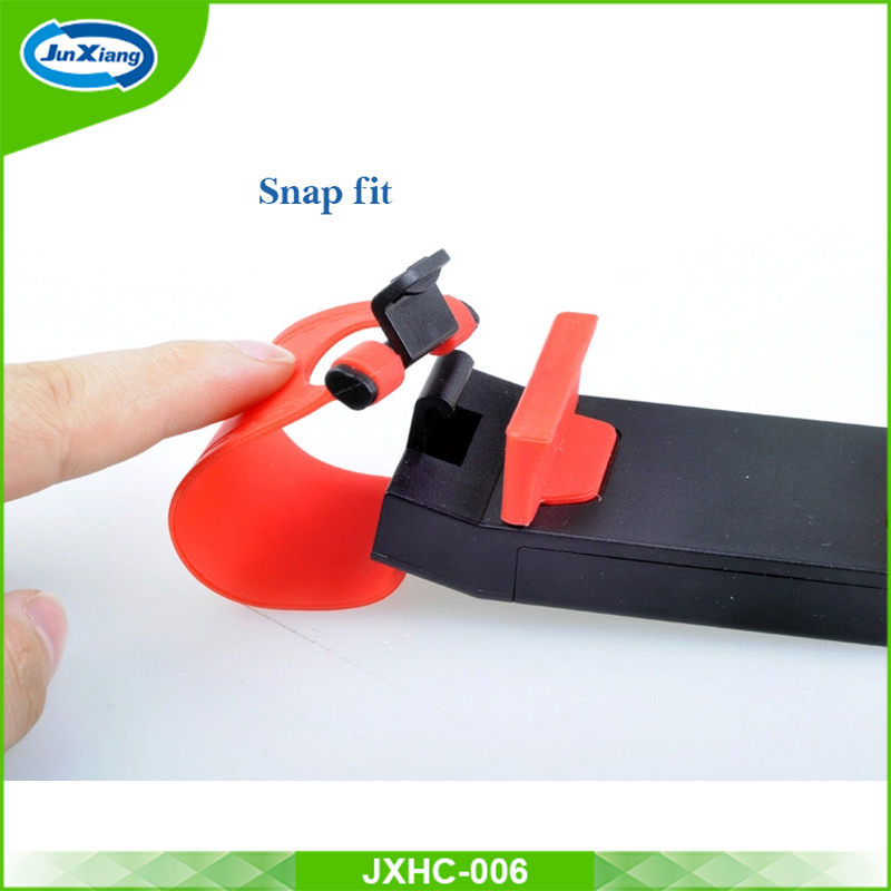 Best Quality Universal Car Cell Phone Holder, Low Price Smart Phone Car Holder Buckle Steering Wheel Car Holder pictures & photos