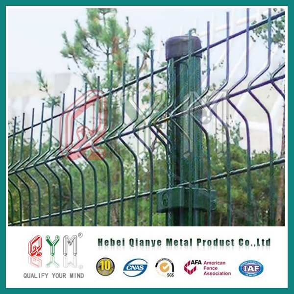 China PVC Coated Welded Wire Mesh Fence/ Galvanized Triangle Bending ...