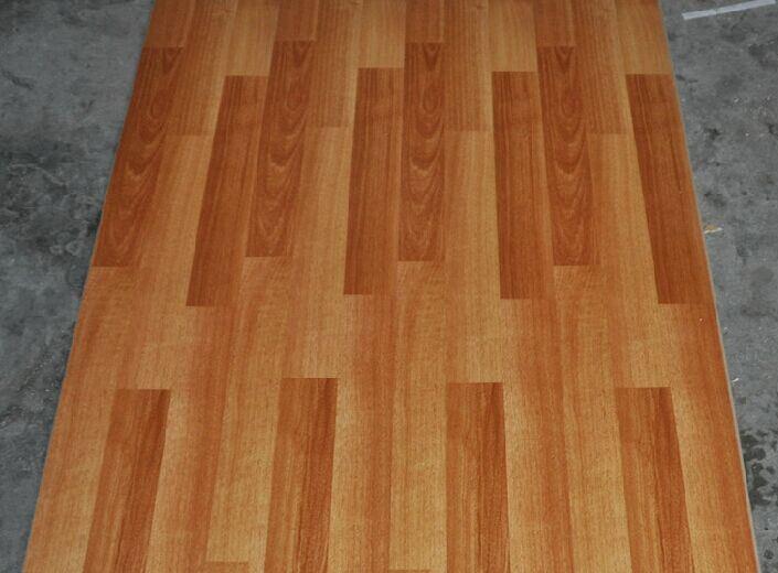 China 12mm V Groove Hdf Laminatelaminated Wooden Flooring Cheapest