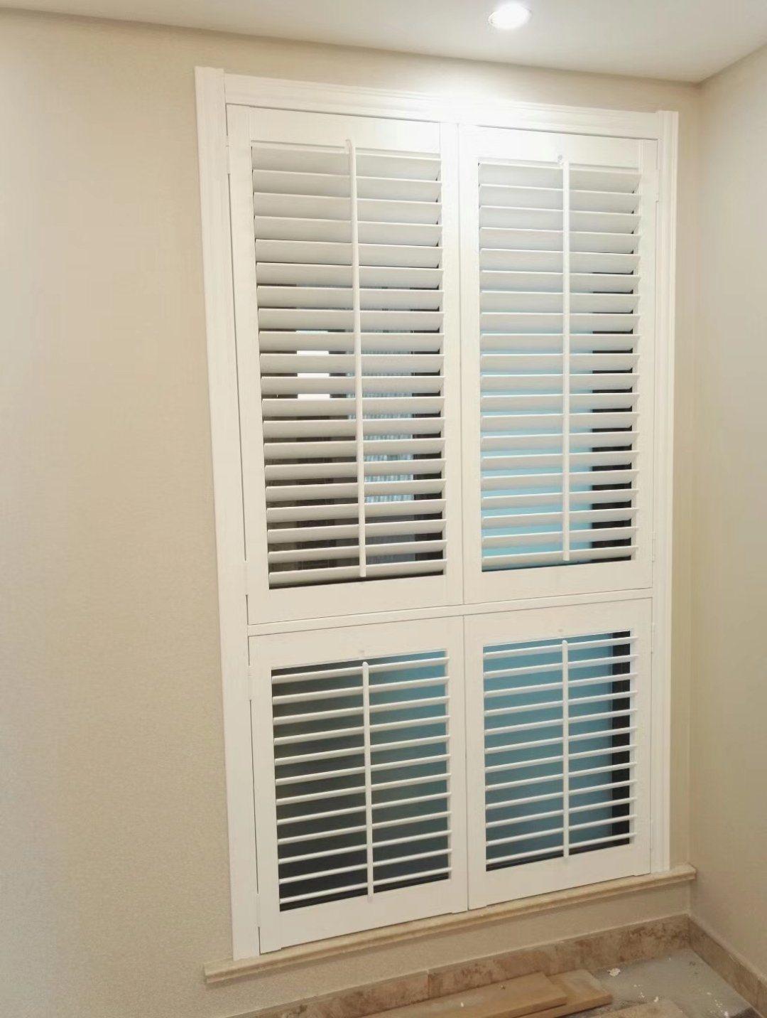 Plantation Window Shutter White Color Window Treatment