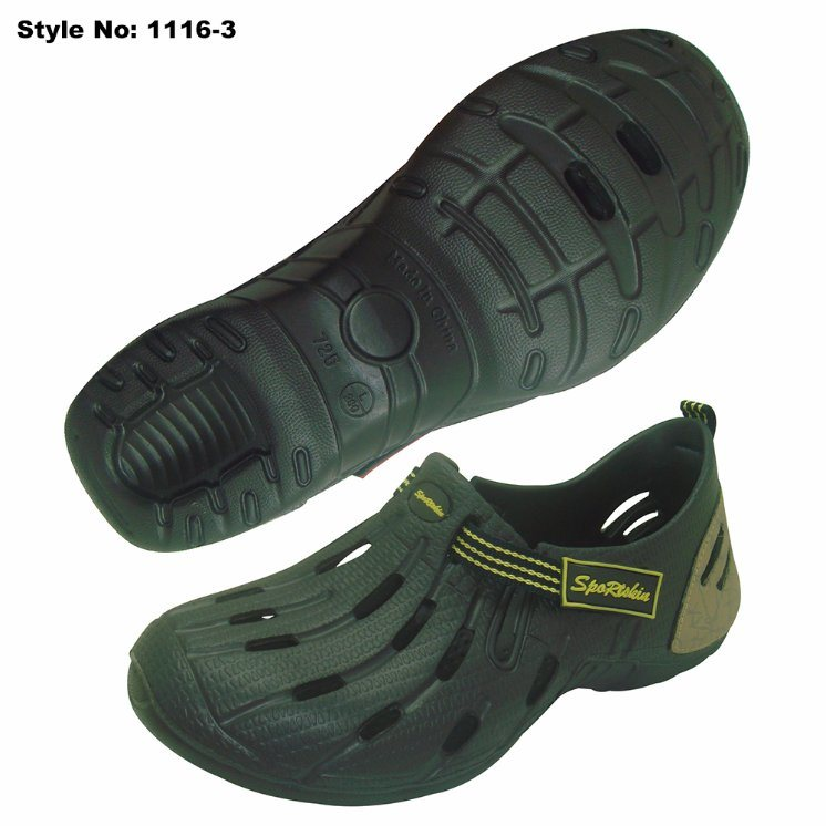 cf89abb361d68 China Durable EVA Holey Clogs Outdoor Casual Sport Shoes - China Comfort  Shoes