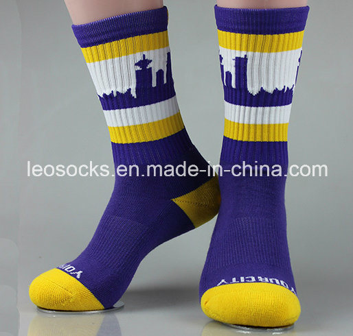 2017 Hot Selling Men′s Sports Cotton Socks pictures & photos