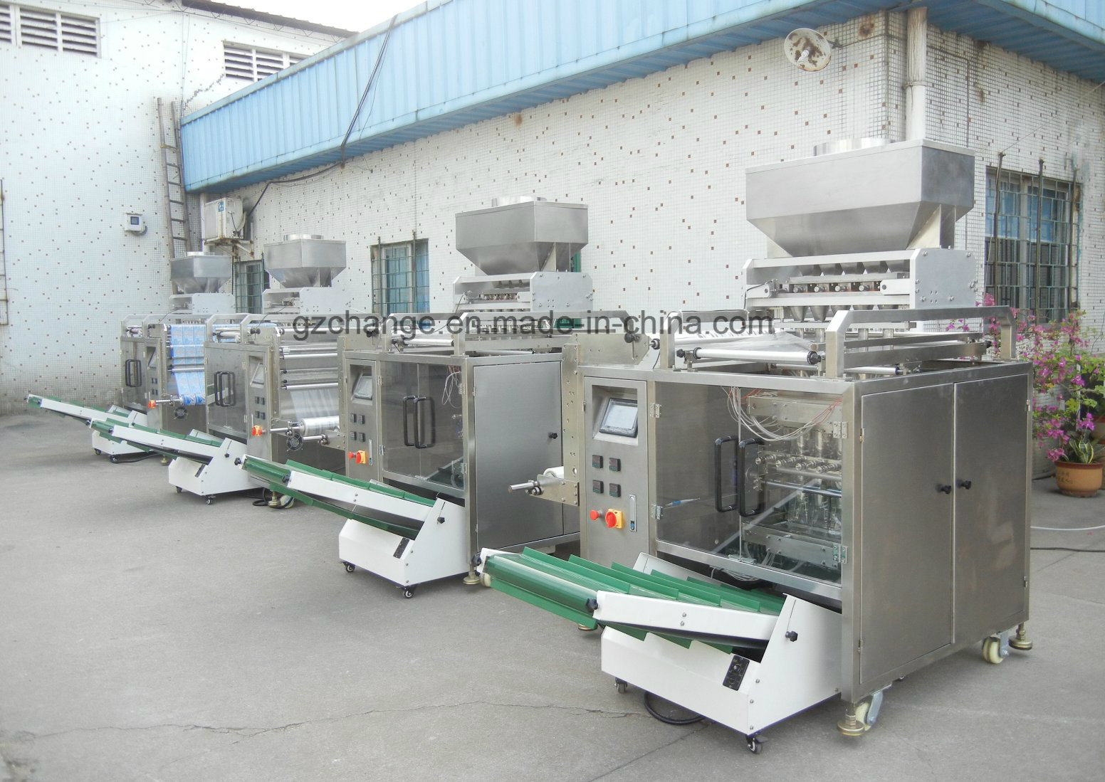 Multi Side Sealing Auto Granule Grain Packing Machine pictures & photos