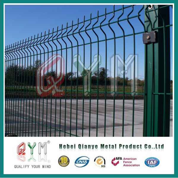 China Hot Dipped Galvanized Welded Wire Mesh Fence / School ...