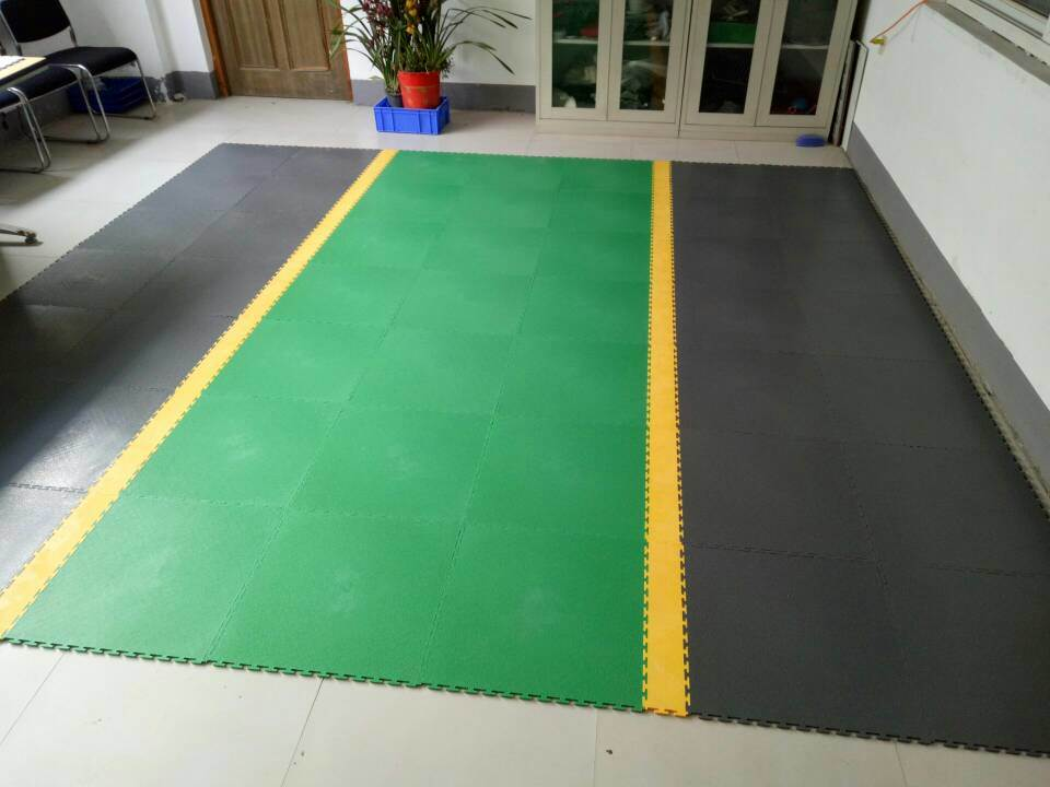 China Outdoor Easy Installation Plastic Floor Tile Heavy Duty
