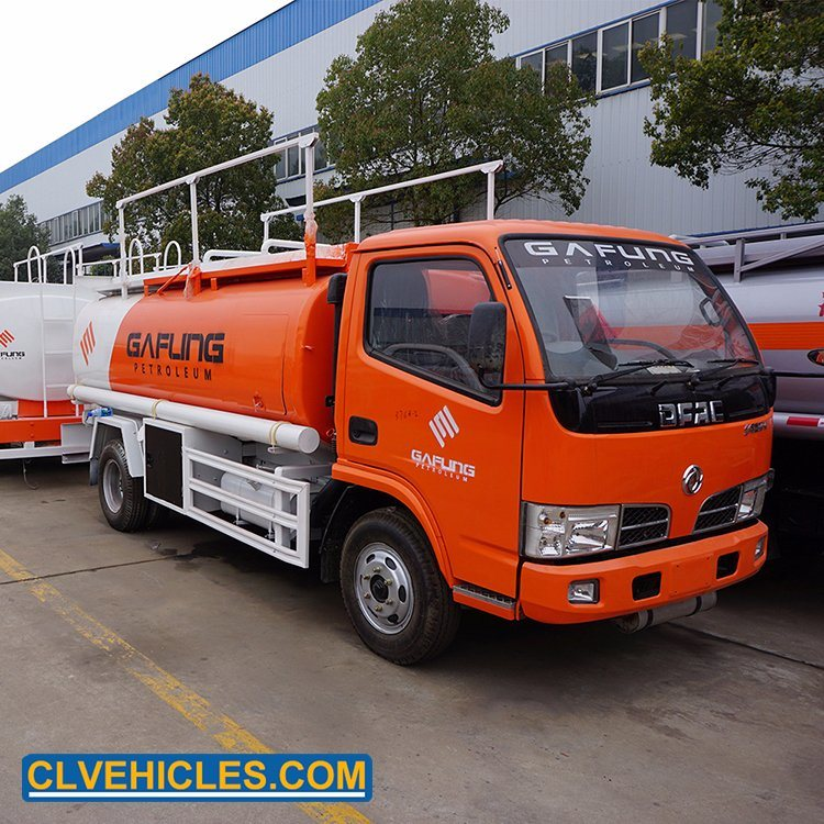 China Dongfeng 95hp 6cbm Rhd Gasoline Delivery Small Fuel Tanker Refueling Truck China Small Refueling Truck Refuelling Truck