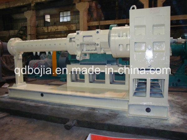 2017 New Automatic Feeding Rubber Extruder pictures & photos