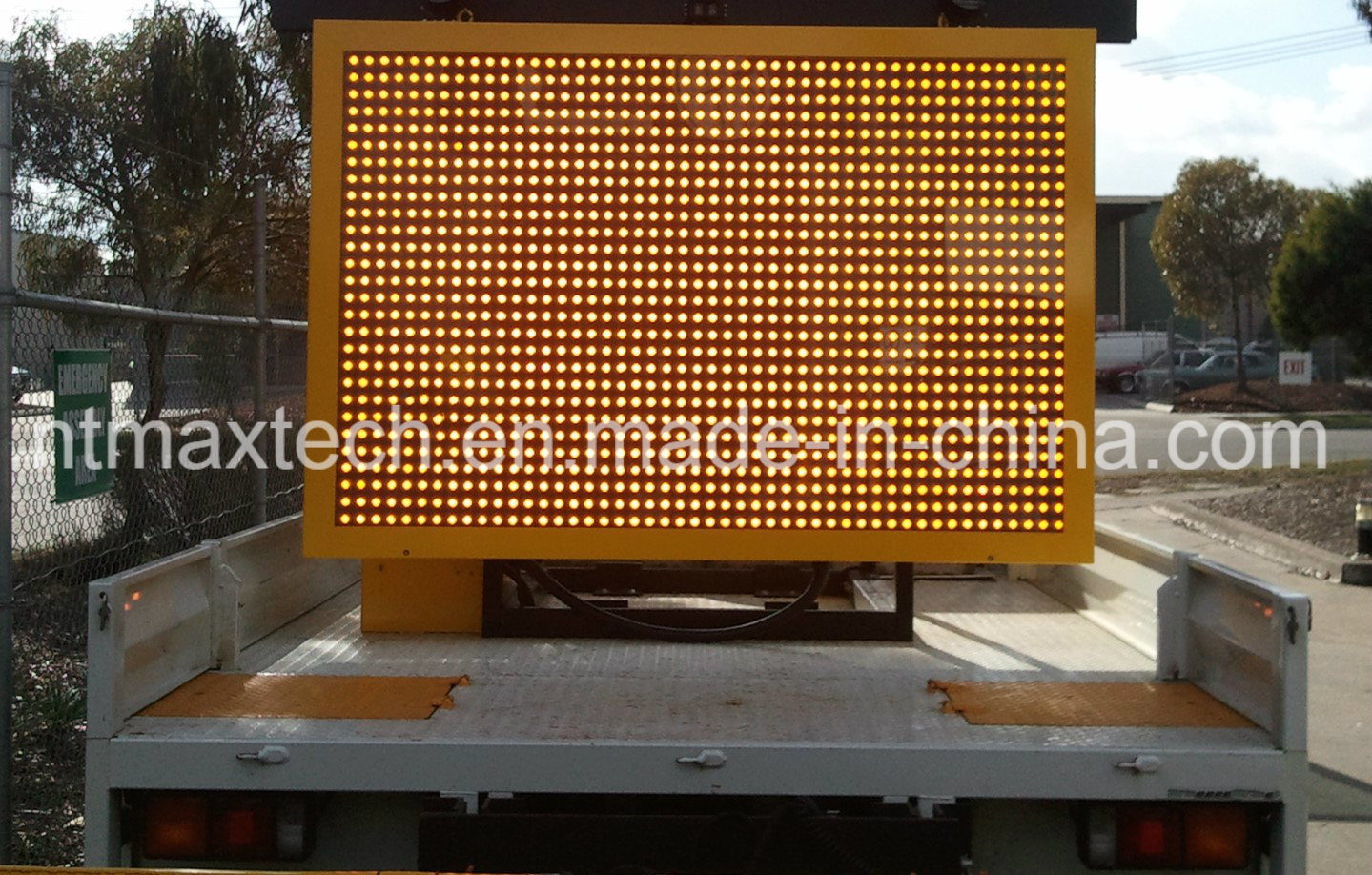Truck Mount Variable Message Traffic Sign Animation Multi Color Low Power Consumption
