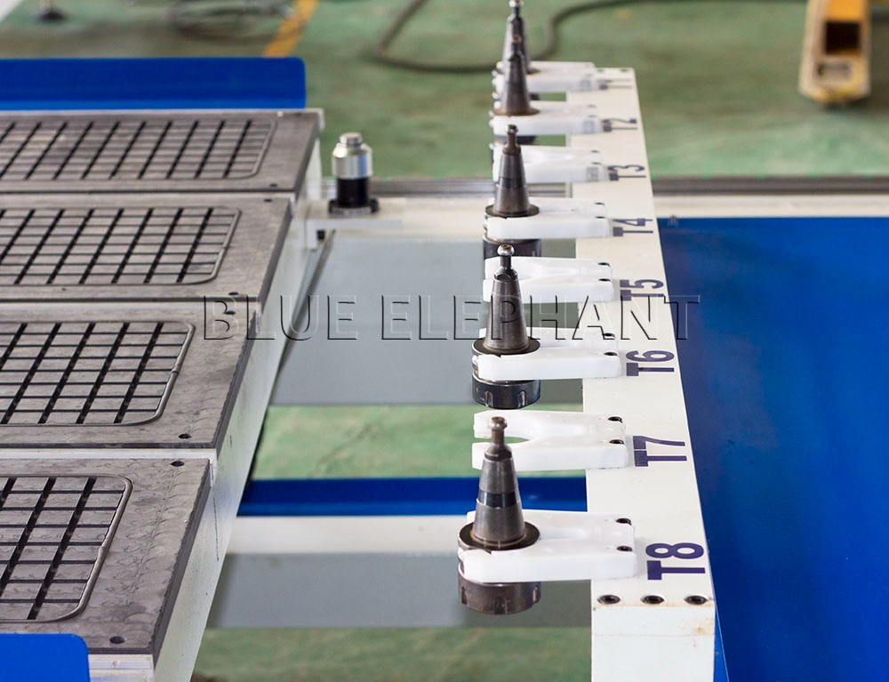 China 1330 High Z Travel Atc CNC 4 Axis CNC Router From Blue