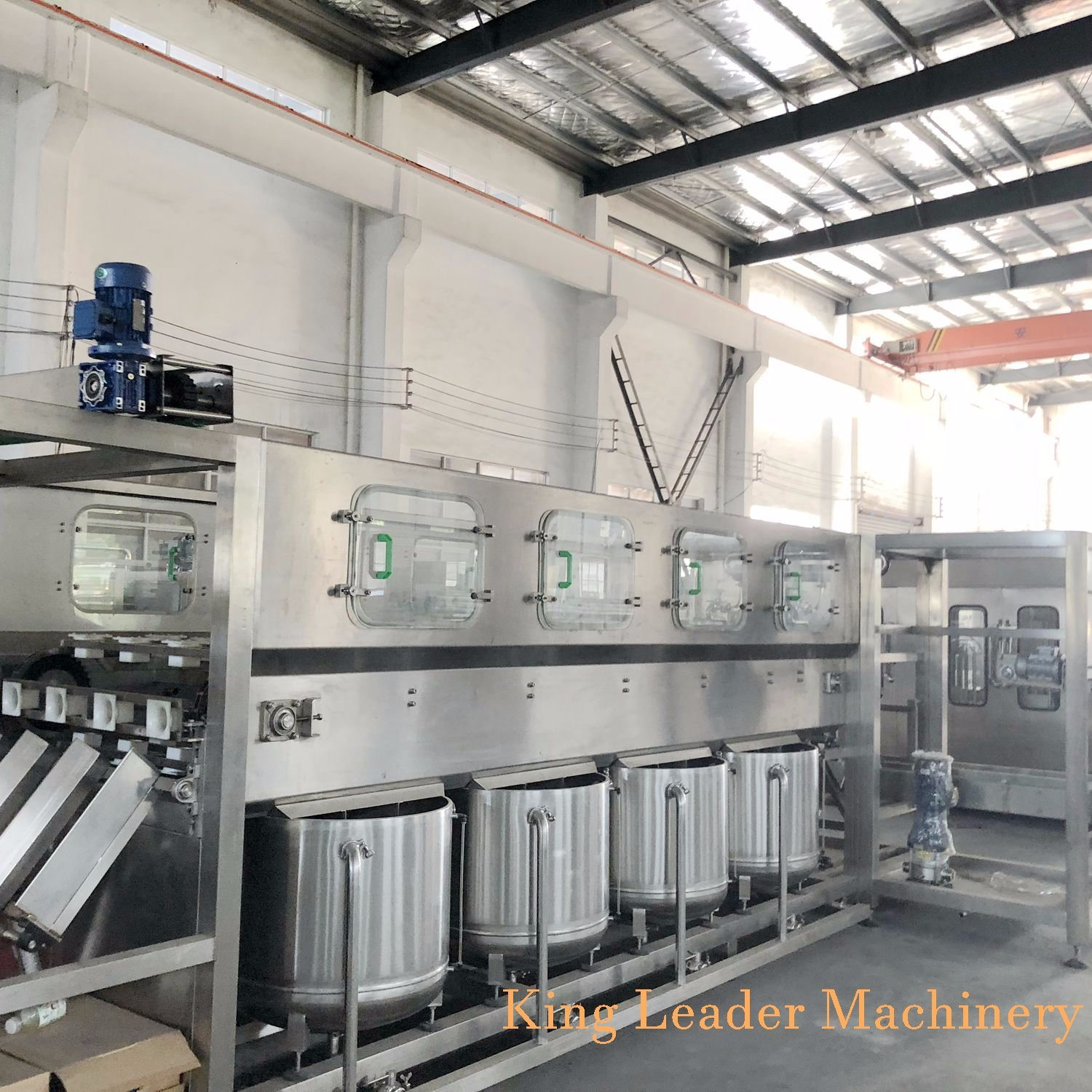 07b617da0b China Automatic 600bph 5 Gallon Barrel Bottle Water Filling Machine - China  5gallon Bottling Machine, Water Bottling Machine